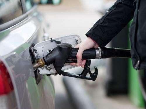 چرا بهتره باک بنزین ماشین را کاملا پر نکنیم