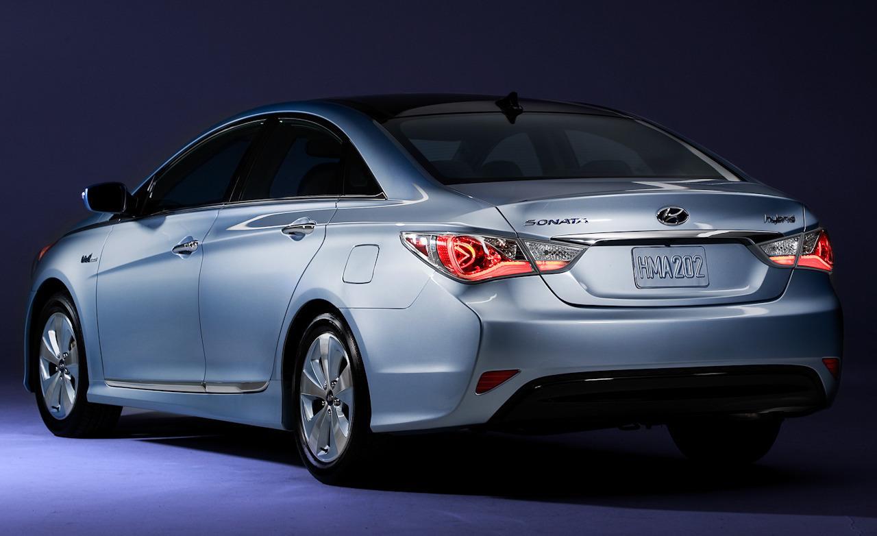 هیوندای برای خودروهای هیبریدی خود فراخوان داد/ بلاتکلیفی هیونداهای وارداتی در ایران