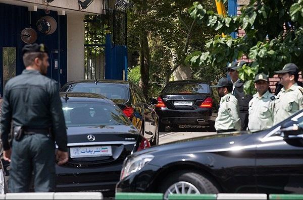 وزارت خارجه تنها 51 بنز تشریفاتی را خریده کرده است
