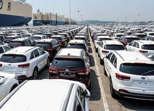 کاسبی برخی واردکنندگان خودرو با پول خریداران