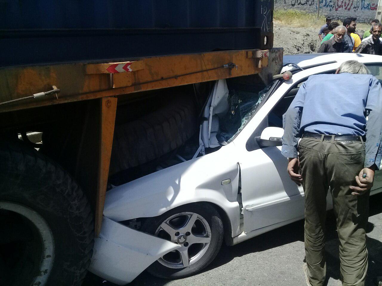 رکورد در تصادفات رانندگی ؛ عدم توجه به جلو در حین رانندگی