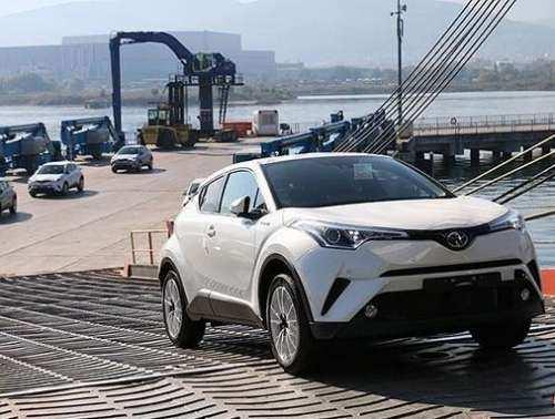 به جریان افتادن طرح دو فوریتی کاهش تعرفه خودروهای وارداتی