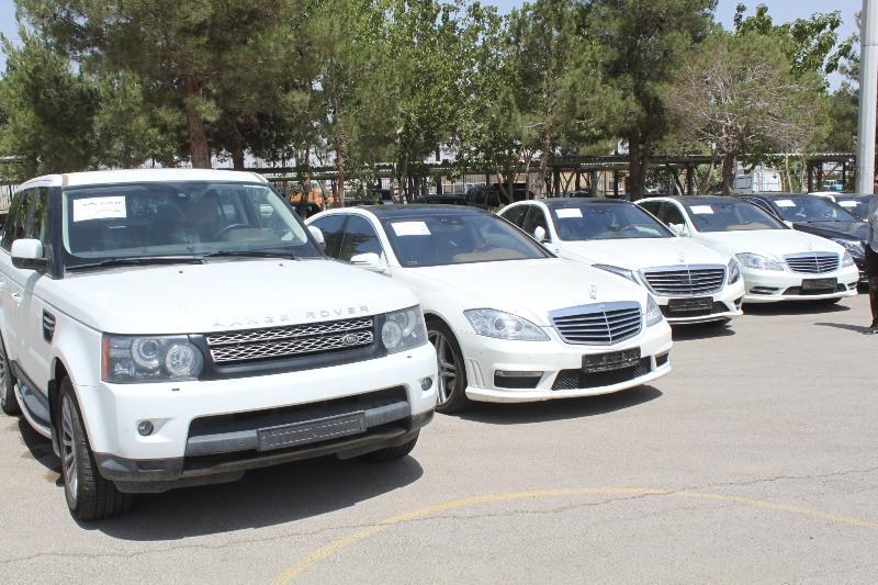 تایید خسروتاج در خصوص  واردات غیرقانونی خودرو