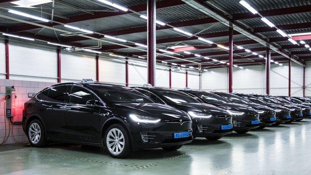 ورود تاکسیهای برقی تسلا در فرودگاههای هلند