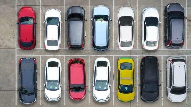 معاون وزیر صنعت : استرداد ۱۵۰۰ خودرو در یک سال