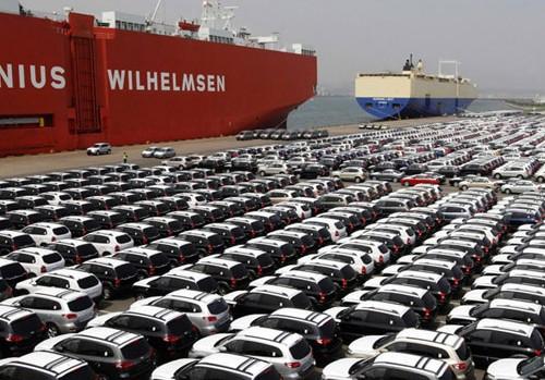با تخصیص دلار 4200 تومانی هم قیمت خودرو کاهش نمییابد