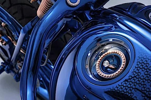 گرانترین موتورسیکلت دنیا ؛ هارلی دیویدسون جواهرنشان نسخه آبی