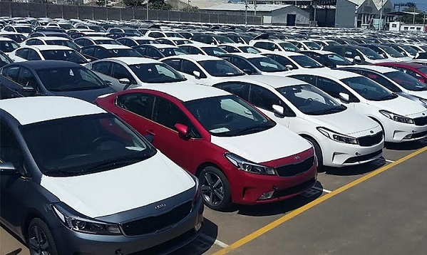 ادامه واردات خودرو با وجود رکود سنگین در بازار خودروهای خارجی