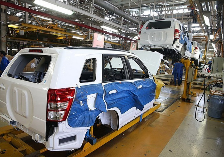 ادامه افزایش تولید خودرو سواری در کشور در رکود سنگین بازار
