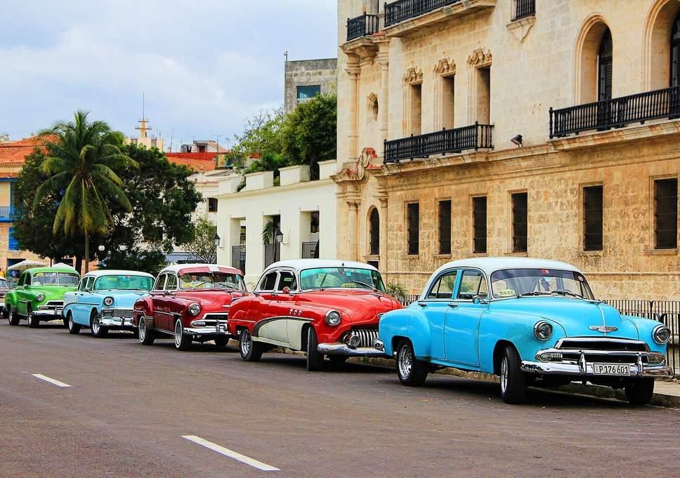ممنوعیت واردات خودرو در روسیه، نیجریه و کوبا چه نتایجی داشت؟