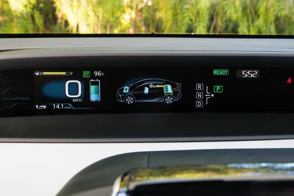 همکاری تویوتا و جیلی برای ساخت خودروهای هیبریدی