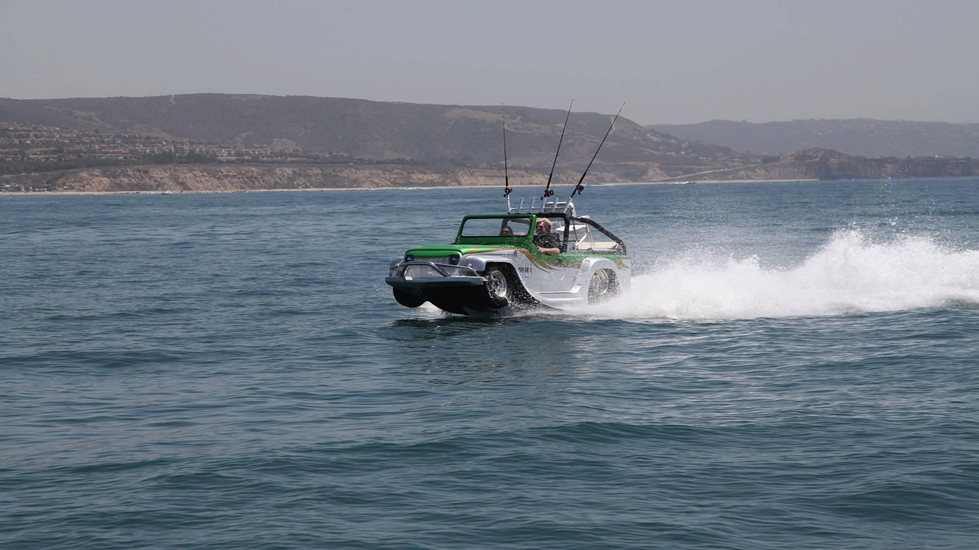 طراحی خودرویی برای حرکت در جاده و دریا + عکس