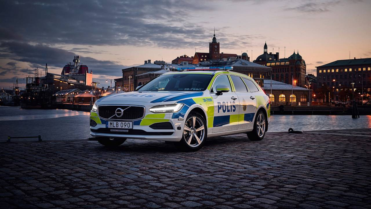 آشنایی با جذابترین خودروهای پلیس سراسر جهان