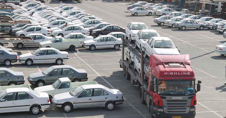 وزیر صنعت : تحویل هر چه سریعتر خودروهای موجود در انبار کارخانهها