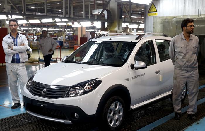 کاهش 50 درصدی فروش رنو به ایران با بازگشت تحریم خودرویی