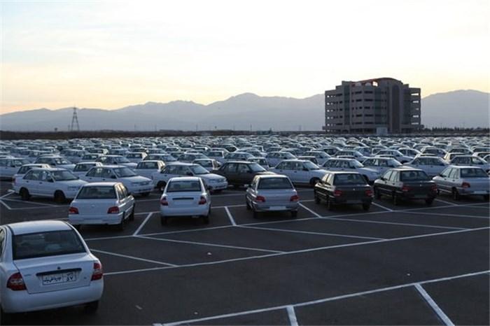 ۶ سال پیش در چنین روزی؛ با اعلام قیمت مصوب باز هم بازار خودرو آرام نگرفت