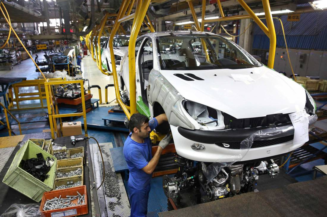 بیشتر از تحریمها قیمتگذاری دستوری به صنعت خودرو ضربه میزند