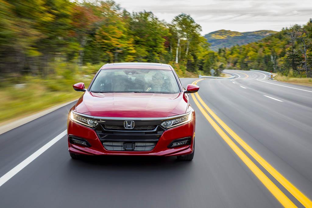 اعلام قیمت و مشخصات هوندا آکورد مدل 2019