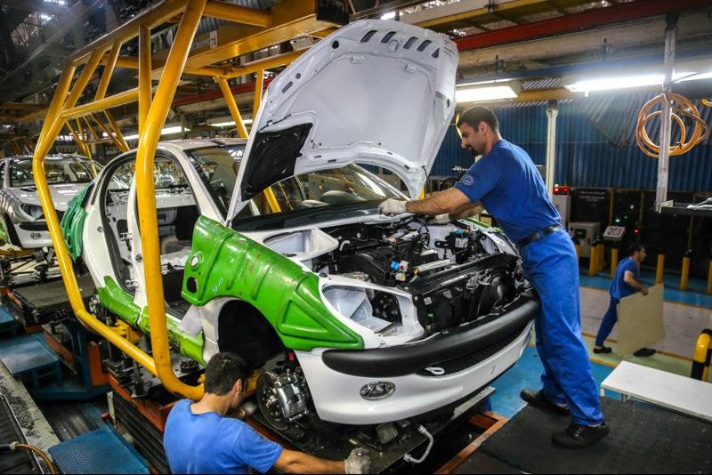 آیا مردم باید تاوان هزینههای سربار خودروسازان را بدهند؟