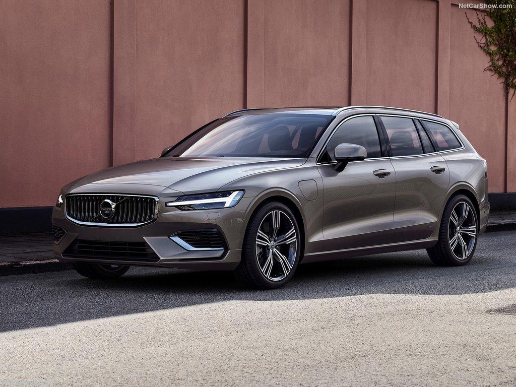 معرفی مشخصات ولوو V60 مدل 2019 + قیمت