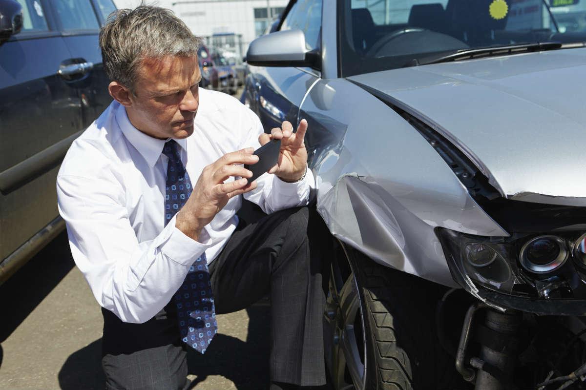 تصادف اتومبیل در آمریکا
